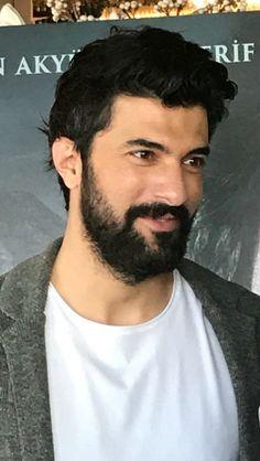 Пресс-конференция Engin Akyürek of Turkish Actors, Best Actor, Cool Photos, Most Beautiful, Bollywood, Celebrities, Photography, Fictional Characters, Handsome Man