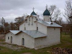Церковь Покрова и Рождества Богородицы от Пролома. Псков.