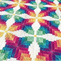 Our friend @threadedquilting just finished quilting this beauty! The pattern was the cover quilt from #americanpatchworkandquilting February 2016!