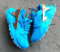cb02a87766bb 7 Awesome nike air huarache custom images
