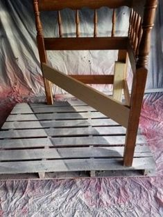 How to make a headboard corner bench using a full sized headboard. A corner bench made from a headboard is easier than it sounds, fits nicely in your home. Diy Full Size Headboard, How To Make Headboard, Headboard Ideas, Headboards, Corner Shower Bench, Corner Bench, Desk Dresser Combo, Bed Frame Bench, Bed In Corner