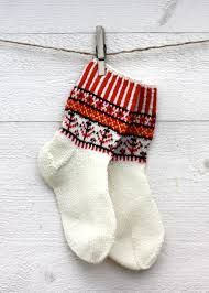 Bildresultat för korsnäströjan Crochet Socks, Knit Mittens, Knitting Socks, Knit Crochet, Cosy Socks, Warm Socks, Knitting Projects, Knitting Patterns, Boot Toppers