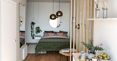 Comment Bien Agencer Un Petit Salon Au Rez De Chaussée Dark Interiors, Decoration, Entryway Bench, Oversized Mirror, Divider, Living Room, Figaro, Madame, Furniture