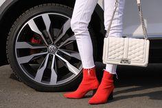 Autfit k Volkswagen T-Roc Vw T, Volkswagen, Starbucks, Lifestyle, Boots, Fashion, Crotch Boots, Moda, Fashion Styles
