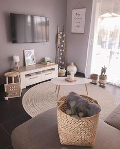 156 first apartment decorating ideas on a budget 21 Home Living Room, Interior Design Living Room, Living Room Designs, Living Room Decor, Bedroom Decor, Wall Decor, First Apartment Decorating, Room Inspiration, House Styles