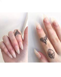 Tiny finger tattoos for girls; small tattoos for women; finger tattoos with meaning; Mini Tattoos, Hot Tattoos, Trendy Tattoos, Body Art Tattoos, Tattoos For Women, Small Hand Tattoos, Cool Small Tattoos, Dream Tattoos, Sleeve Tattoos