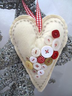 felt heart ornament, buttons