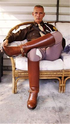 """bootsuniform: """"Yes Sir! """" Ahh, wearing Aggies 😀 What a Sexy pair of Boots 😚 Mens High Boots, Mens Riding Boots, Horse Riding Boots, Cop Uniform, Men In Uniform, Tall Brown Leather Boots, Leather Men, Brown Boots, Cool Boots"""