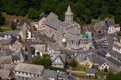 ✈️ Photo aérienne de : Orcival - Puy-de-Dôme (63) Routes, Clermont, France, Kirchen, Barcelona Cathedral, Castles, Roman, Medieval, Photos