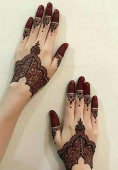 Mehndi designs for engagement Mehndi Designs Finger, Modern Mehndi Designs, Mehndi Designs For Girls, New Bridal Mehndi Designs, Mehndi Designs For Fingers, Simple Mehndi Designs, Mehandi Designs, Hand Tattoos, Tattoo Henna