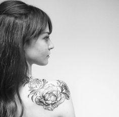 my first tattoo #peony #peonies #blackandwhite #tattoo #black #white #indastria #indastriatattoo #flowers #shoulder