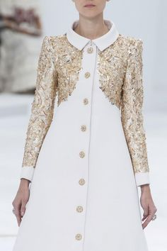 Luna with a little sponsored money Chanel Haute Couture fall 2014 Beauty And Fashion, Runway Fashion, High Fashion, Womens Fashion, Daily Fashion, Style Haute Couture, Chanel Couture, Spring Couture, Mode Glamour