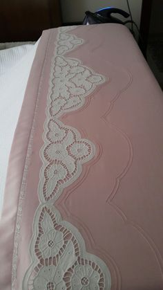 Embroidery Applique, Embroidery Designs, Cutwork Saree, Cut Work, Bargello, Bed Covers, Bed Spreads, Linen Bedding, Crochet