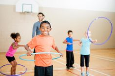25 gym school games that require no equipment or minimal equipment and get kids moving. Gym Games For Kids, Pe Games, Class Games, School Games, Exercise For Kids, Pe Class, Group Games, Physical Education Games, Physical Activities