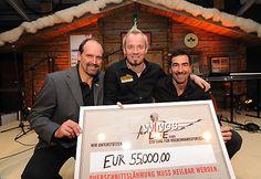 TirolBerg-Partner spenden 55.000 Euro an Wings for Life | Fotograf: Tirol Werbung | Credit:Tirol Werbung | Mehr Informationen und Bilddownload in voller Auflösung: http://www.ots.at/presseaussendung/OBS_20130209_OBS0001