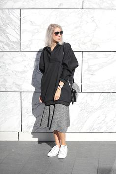 Outfit: oversized sweater and skirt | MyDubio
