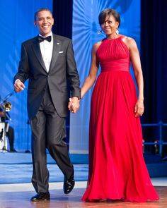 President Barack Obama and First Lady Michelle Obama, wearing Michael Kors (September Annual Phoenix Awards Dinner sponsored by the Congressional Black Caucus Foundation at the Washington Convention Center) Michelle Obama Flotus, Michelle Obama Fashion, Barack And Michelle, First Ladies, Happy Birthday Michelle, Barack Obama Family, Obamas Family, Obama President, Best Gowns