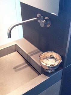 2011 - Badkamer helemaal naar onze zin...#design in jaren '30 woning! van Zijl (badkamers)