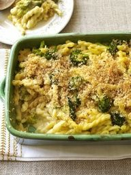 Cheap Pasta Recipes: Baked Macaroni and Cheese with Broccoli