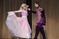 Princess Aurora&Prince Philip Sleeping Beauty Characters, Disney Face Characters, Disney Movies, Princess Costumes, Disney Costumes, Disney Parque, Disney Princess Aurora, Prince Philip, Prom Dresses