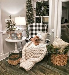 Looking for for images for farmhouse christmas decor? Browse around this website for cool farmhouse christmas decor inspiration. This amazing farmhouse christmas decor ideas looks completely brilliant. Farmhouse Christmas Decor, Cozy Christmas, Rustic Christmas, Farmhouse Decor, Farmhouse Style, Farmhouse Design, Xmas, Modern Farmhouse, Farmhouse Ideas