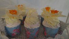 Vanilla creame shea butter cupcake bathbombs