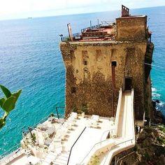 Torre dei Normanni  #amalficoast #costieraamalfitana #italy #Campania #salerno #coast #amalfi #positano #ravello #sea #sky #southitaly #pictureoftheday
