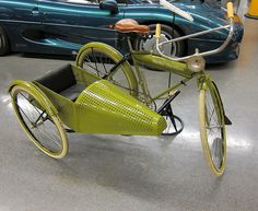 1917 Harley Davidson Bicycle with sidecar / #Bicicletas / #MovilidadUrbanaSostenible / #Decoración / www.hiloxhilo.com