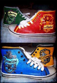 hogwarts houses shoes!!! beautiful <3
