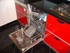 Mobila Bucatarie dotata cu masina de spalat vase marca Bosch Wall Oven, Kitchen Appliances, Diy Kitchen Appliances, Home Appliances, Kitchen Gadgets