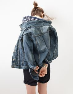 Perfect denim jacket. I guess we're saying 'denim' instead of 'jean' now. The 80's were such a simpler time.