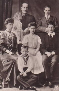 George I and Queen Sophie of Greece with their children