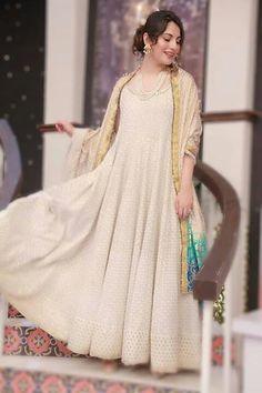Asian Wedding Dress Pakistani, Pakistani Dress Design, Pakistani Dresses, Pakistani Models, Pakistani Actress, Nice Dresses, Formal Dresses, Frock Design, Silk Dress