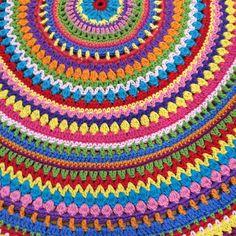 """""""Finally finished this rug for my daughter's bedroom. Phew!  #moderncrochet #crochetlove #crochetrug #mandala #mandalacrochet #BlueCatCrochet"""" Photo taken by @bluecatcrochet on Instagram, pinned via the InstaPin iOS App! http://www.instapinapp.com (06/09/2015)"""