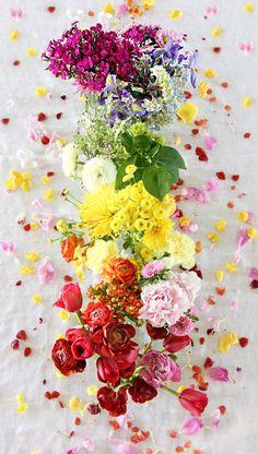DIY Rainbow Flowers Centerpiece