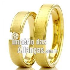 Alianças de Noivado Largura 4.5mm Pedras 1 diamante de 4 pontos Acabamento Fosco e Liso Peso 10,00 gramas O PAR