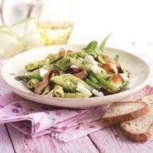 Pastasalade met groene asperges en bieslook