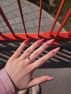 Red and pink nails Edgy Nails, Aycrlic Nails, Funky Nails, Stylish Nails, Hair And Nails, Manicure, Grunge Nails, Coffin Nails, Nail Design Glitter