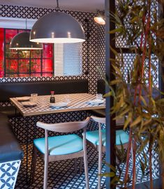 This restaurant was the second installment of the tootoomoo brand within London. The restaurant design was to reflect its Asian origins in a vibrant and contemporary manner.