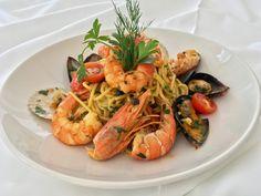 Σπαγγέτι του ψαρά με κρόκο Κοζάνης και μυρωδικά - http://www.ert.gr/spangeti-tou-psara-kroko-kozanis-ke-myrodika/