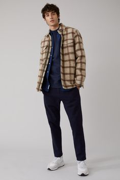 That's CLOSED. Men's Clothing Looks, Mens Clothing Styles, Men's Shirts And Tops, Men Shirts, Winter Fashion Outfits, Boy Fashion, Business Casual Men, Men Casual, Cropped Chinos