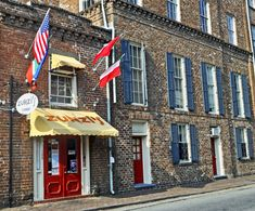 Here's a list of the 12 best places to eat in Savannah GA, one of my favorite places to spend a few days .