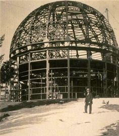 Photo of the Mount Wilson Observatory under construction in 1904. Courtesy of the William C. Barry Collection of Los Angeles .