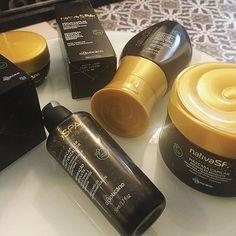 Hoje teve lançamento da nova linha do @oboticario: Nativa Spa Terapia do Caviar! To apaixonada pelo cheiro dessa linha, feita a partir do caviar verde retirada dos mares asiáticos! Mostrei mais do tratamento que fizemos no @griffecapelli no Stories, com muita espumante @vinicola_salton e chocolates da @dots_chocolaterie! Amei! ✨  #boticario #griffecapelli #salton #dotschocolaterie #beauty #beleza #hair #cabelos #beautyblogger #blogueiradebeleza #blogger #blogueira #blog #style #estilo…
