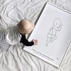 A unique way to honor the birth of your baby and a beautiful reminder of how tiny they once were. In scale 1:1 to your baby's actual size at birth.