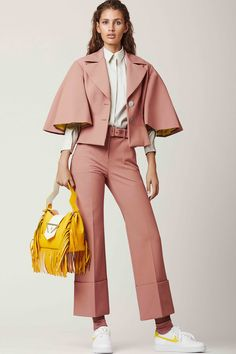 SARA BATTAGLIA Resort 2019 Fashion Show Collection: See the complete SARA BATTAGLIA Resort 2019 collection. Look 9