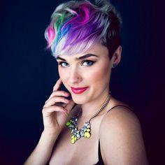 Ben je jouw kleur zat? Ga voor een nieuwe kleur! Laat je inspireren door deze 15 prachtige kapsels met mooie kleuren!