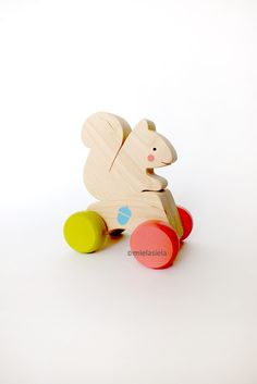 """Wooden push toy """"Squirrel"""" - car with removable animal"""