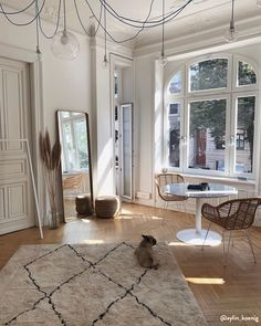 Home Decor Inspiration .Home Decor Inspiration Dream Apartment, Apartment Goals, Parisian Apartment, Studio Apartment, My New Room, Cheap Home Decor, Home Decor Inspiration, Interior Design Inspiration, Home And Living