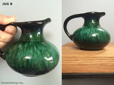 x2 Collectable jug pitcher vase / Vintage Blue Mountain